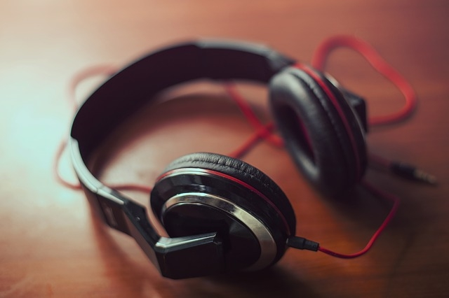 Listening to happy music may help enhance creativity
